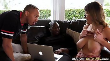 Creampie Eating Interracial Threesome Busty