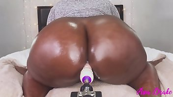 Fucking Machines Chubby Squirt Solo
